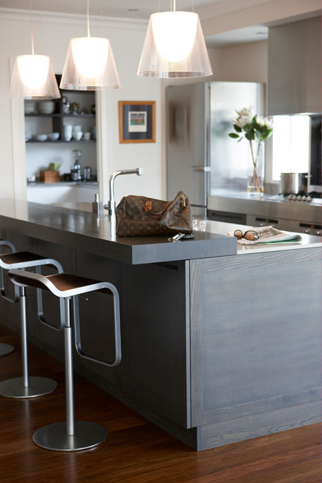 Kitchen with undertile heating