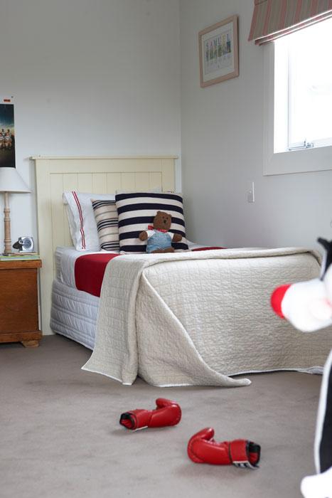 Kids bedroom with undercarpet heating