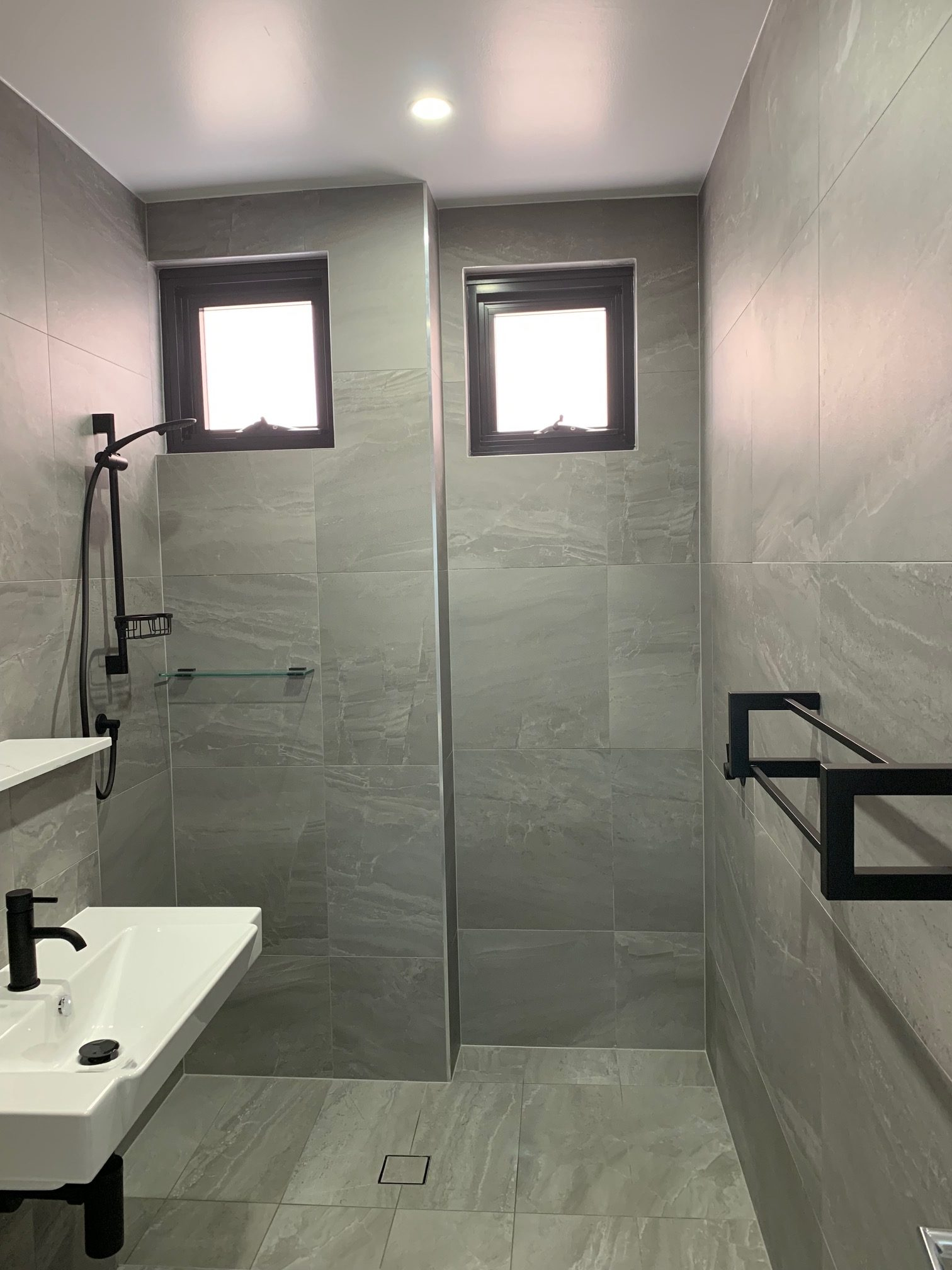 Bathroom shower with Warmtech Inscreed heating system