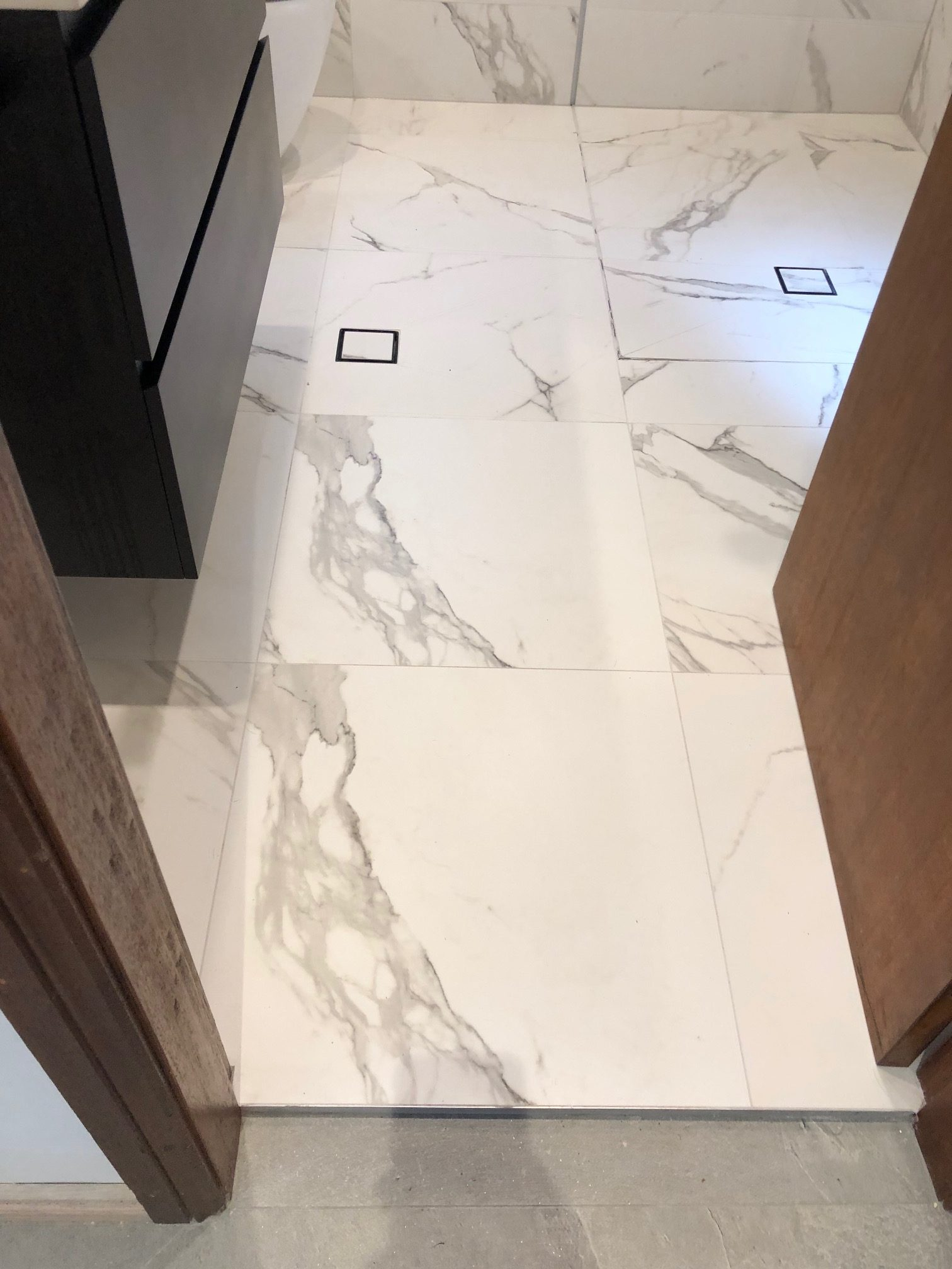 Bathroom floor with Warmtech Inscreed heating system