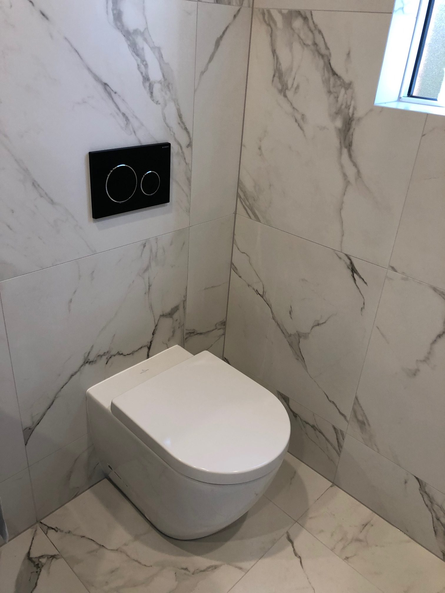 Bathroom toilet area with Warmtech Inscreed heating system