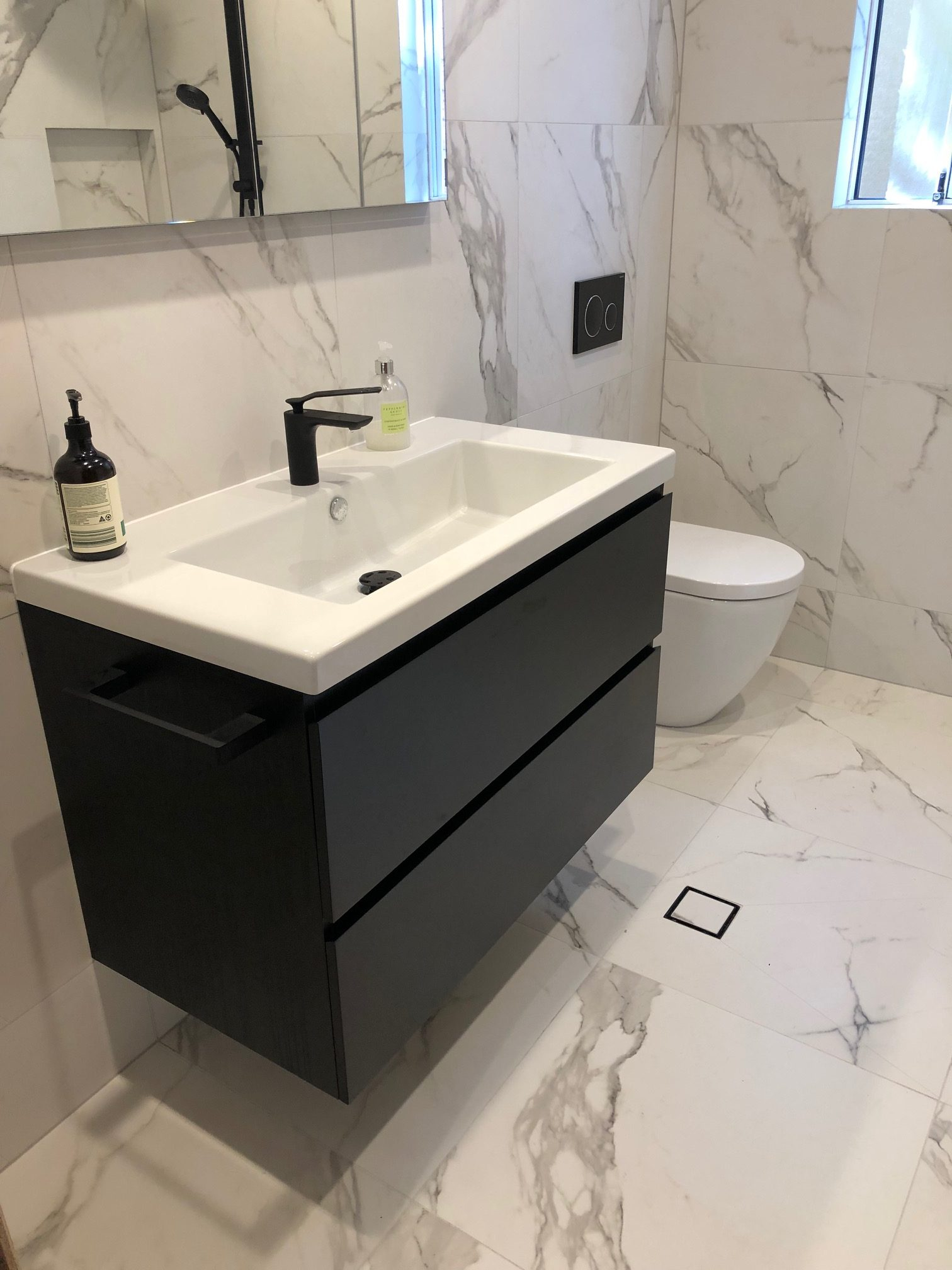 Bathroom with Warmtech Inscreed heating system