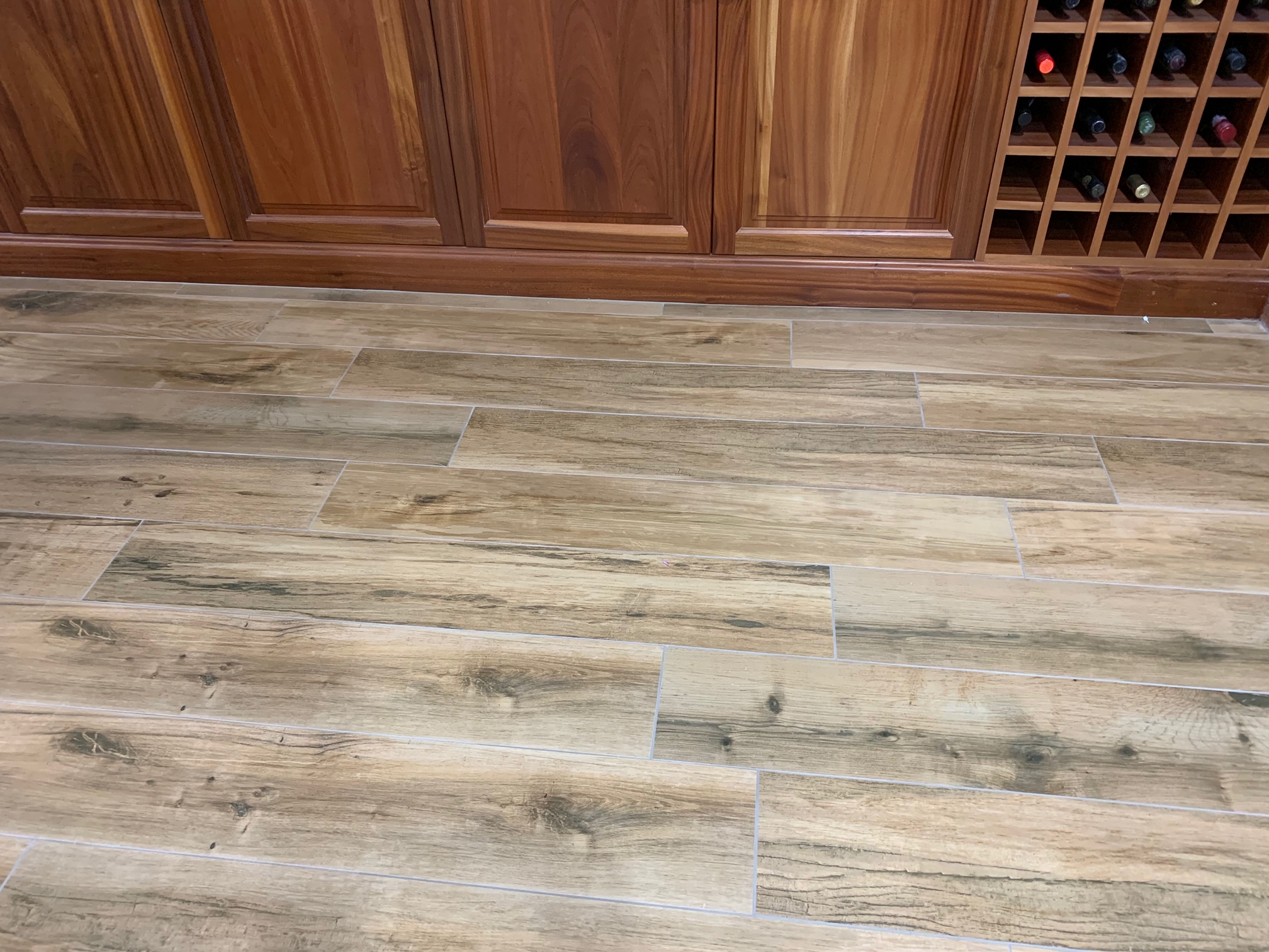 Natural wooden floor with undertile heating