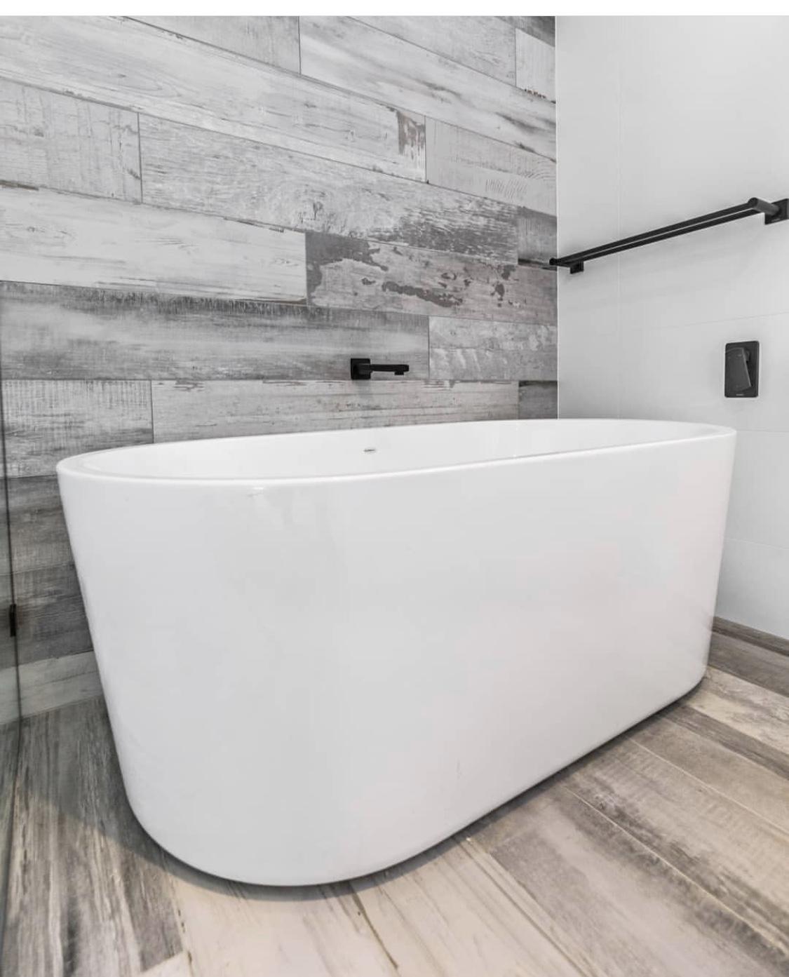 Urbanwood bathroom with inscreed heating